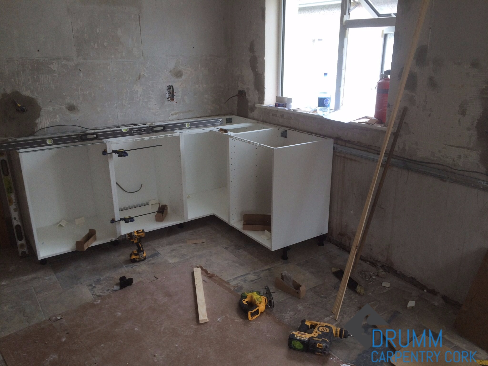 b&q kitchen fitters Limerick